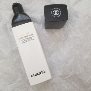 Chanel Le Lait Milk to Oil Cleanser